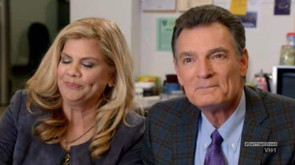 Anna Crouse (Kristen Johnston) and Phillip (Mark Capri) ready to snitch on Maxine to the cops.
