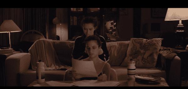 Ali (Abby Quinn) and Dana (Jenny Slate) in Landline