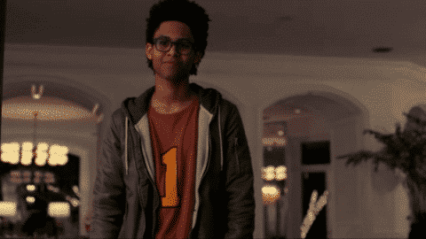 runaways season 1 episode 1 reunion series premiere recap review with spoilers. Black Bedroom Furniture Sets. Home Design Ideas