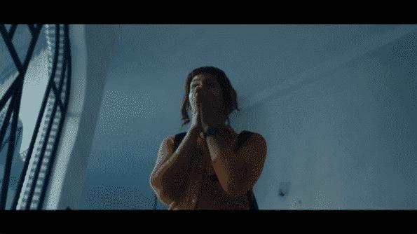 Jill as she discovers a dead body.
