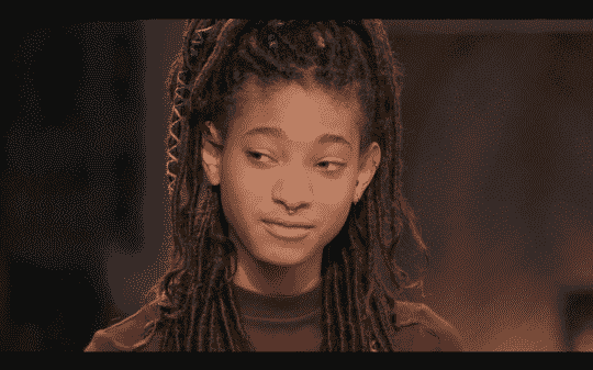 Willow Smith looking towards her mom.