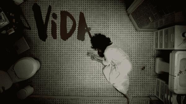 Title card of Vida, featuring Vidalia dying.
