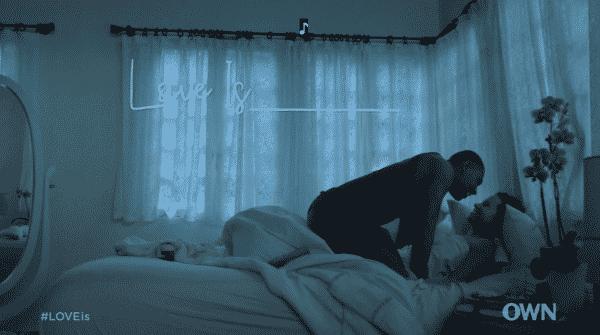 Yasir and Nuri in bed being flirtatious.