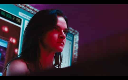 Alice (Madeline Brewer) readying to go to battle with Lola.