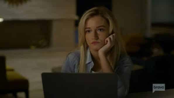 Terra (Julia Garner) talking to Veronica.