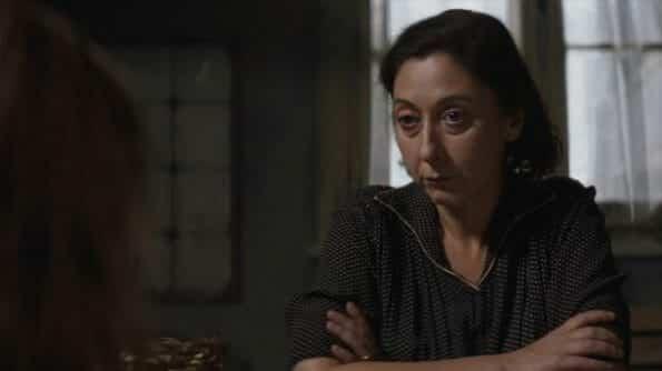 Immacolata (Annarita Vitolo) looking at Elena.