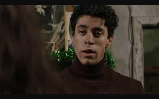 Pasquale (Eduardo Scarpetta) in awe.