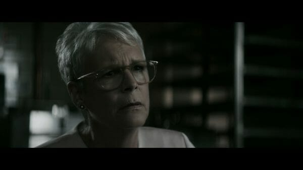 Rachel (Jamie Lee Curtis) trying to talk some sense into Elizabeth.