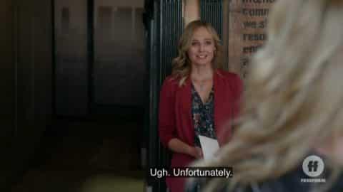 Jennifer (Annie Little) meeting Davia.