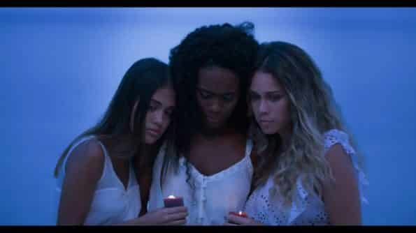 Mayte, Carmen, and Alicia after the ritual of forgetting.