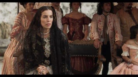Isabel (Cristina Warner) during Carmen's burning.