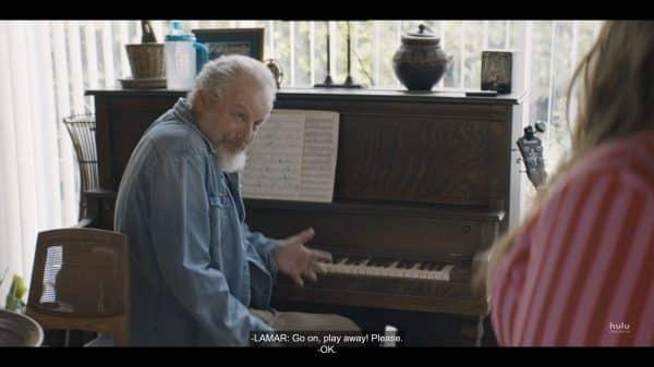 Bill (Daniel Stern) at a piano