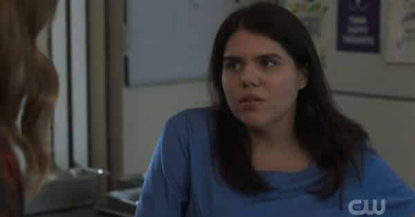 Jess (Brooke Markham) talking to Murphy about her UTI.
