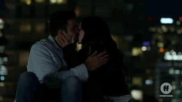 Raj and Mariana kissing.