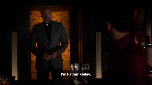 Father Kinley (Graham McTavish) introducing himself to Lucifer.