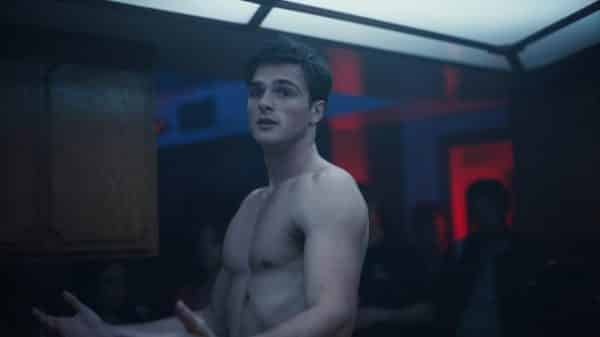Nate (Jacob Elordi) pissed and about to hurt Jules.