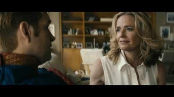 Madelyn Stillwell (Elisabeth Shue) talking to Homelander.