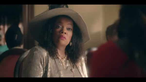 Evelyn (Yvette Nicole Brown) in her church hat.