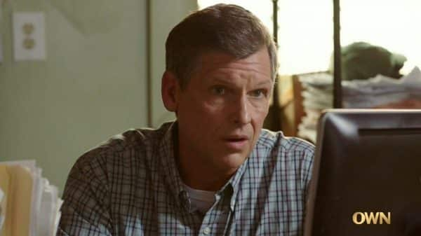 Jay (Rus Blackwell) in Gloria's dream, giving her a job.