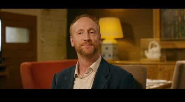 Stuart (Matt Walsh) is a former Bourbon salesman.
