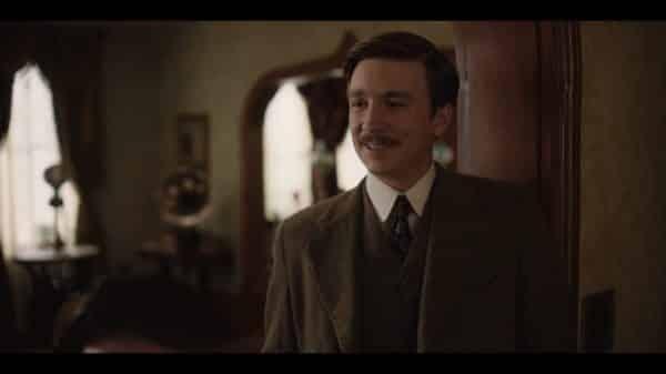 Jim (Thomas Mann) smiling.