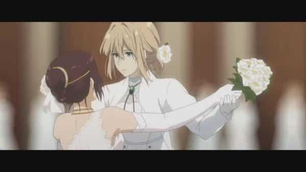 Violet (Yui Ishikawa) dancing with Isabella.