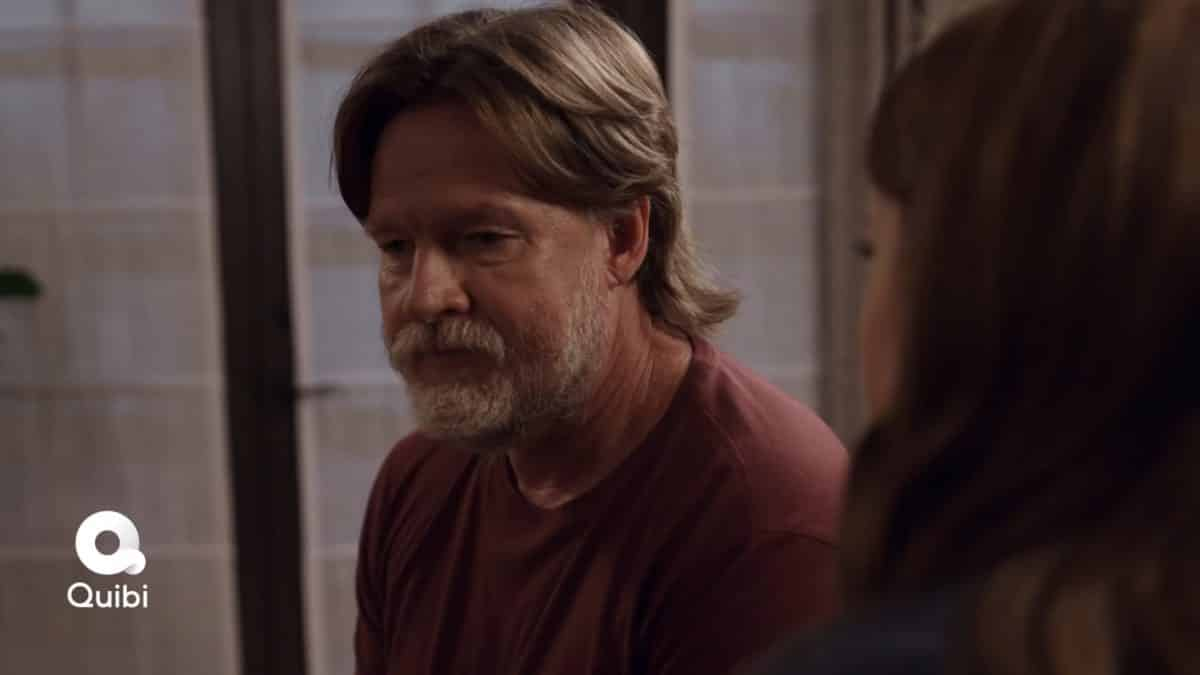 Dan Harmon (Donal Logue) deal with being caught with glitter on his bed.