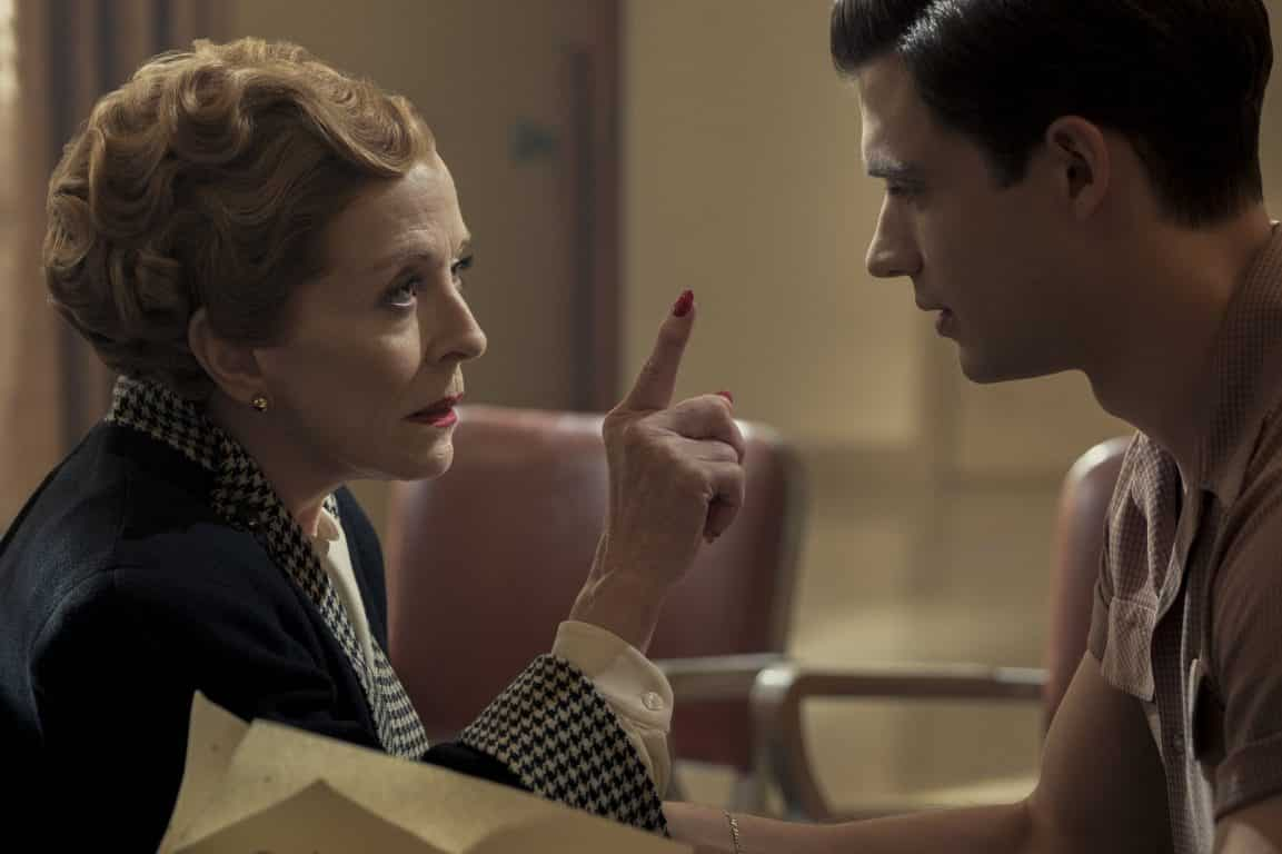 Ellen Kincaid (Holland Taylor) giving some pointers.