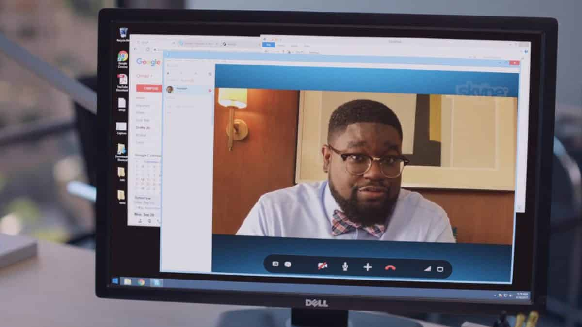 Quentin (Lil Rel Howery) during a Skype call.