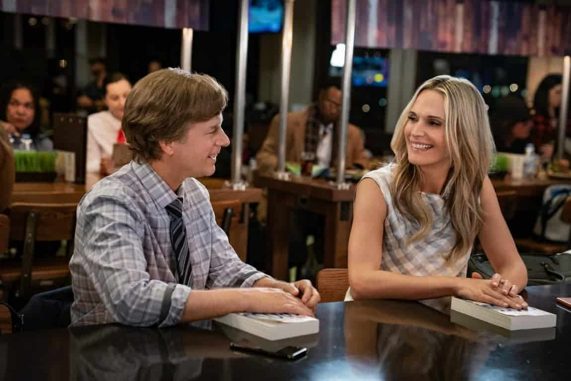 Tim (David Spade) and Melissa (Molly Sims) on a date