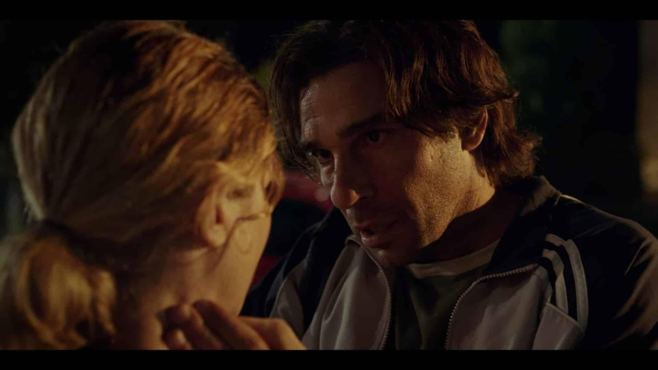 Alessio (Edoardo Leo) talking to Elisa.
