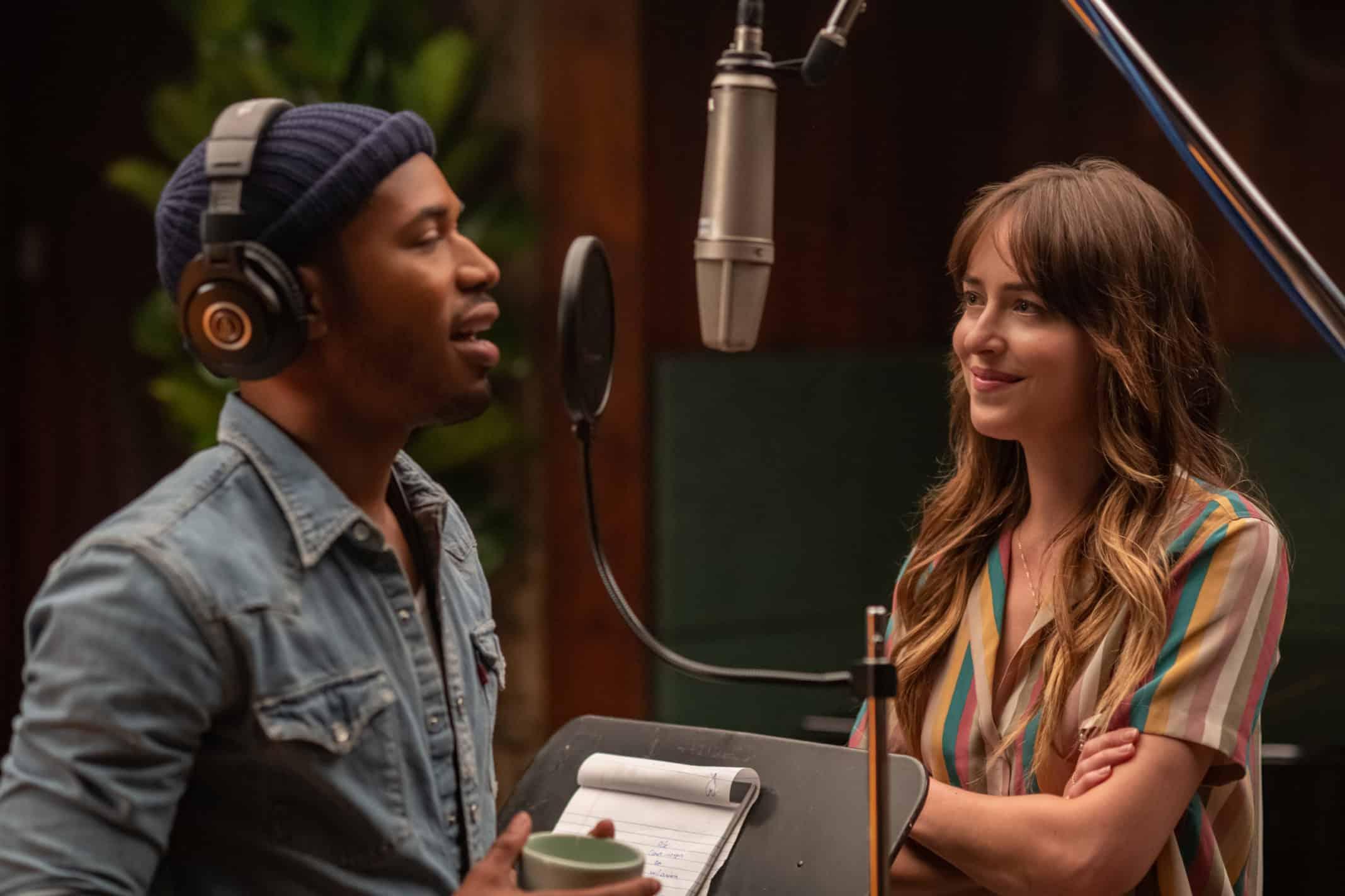 David (Kelvin Harrison, Jr.) and Maggie in the studio.