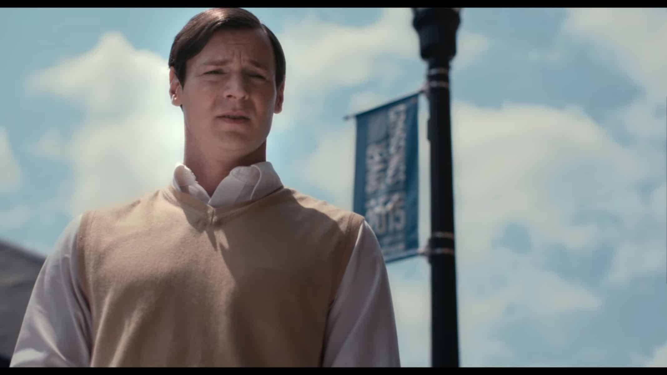 Farmer (Benjamin Walker) talking to Russell.