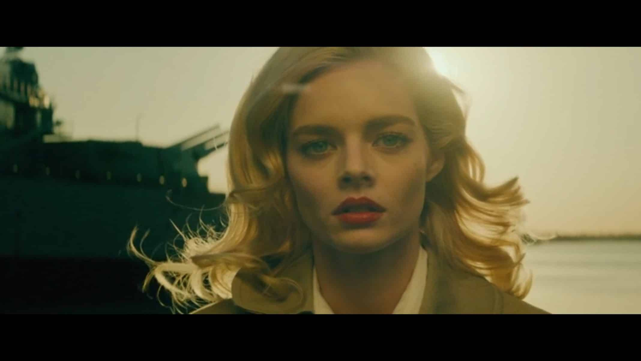 Lauren (Samara Weaving) in a movie role.