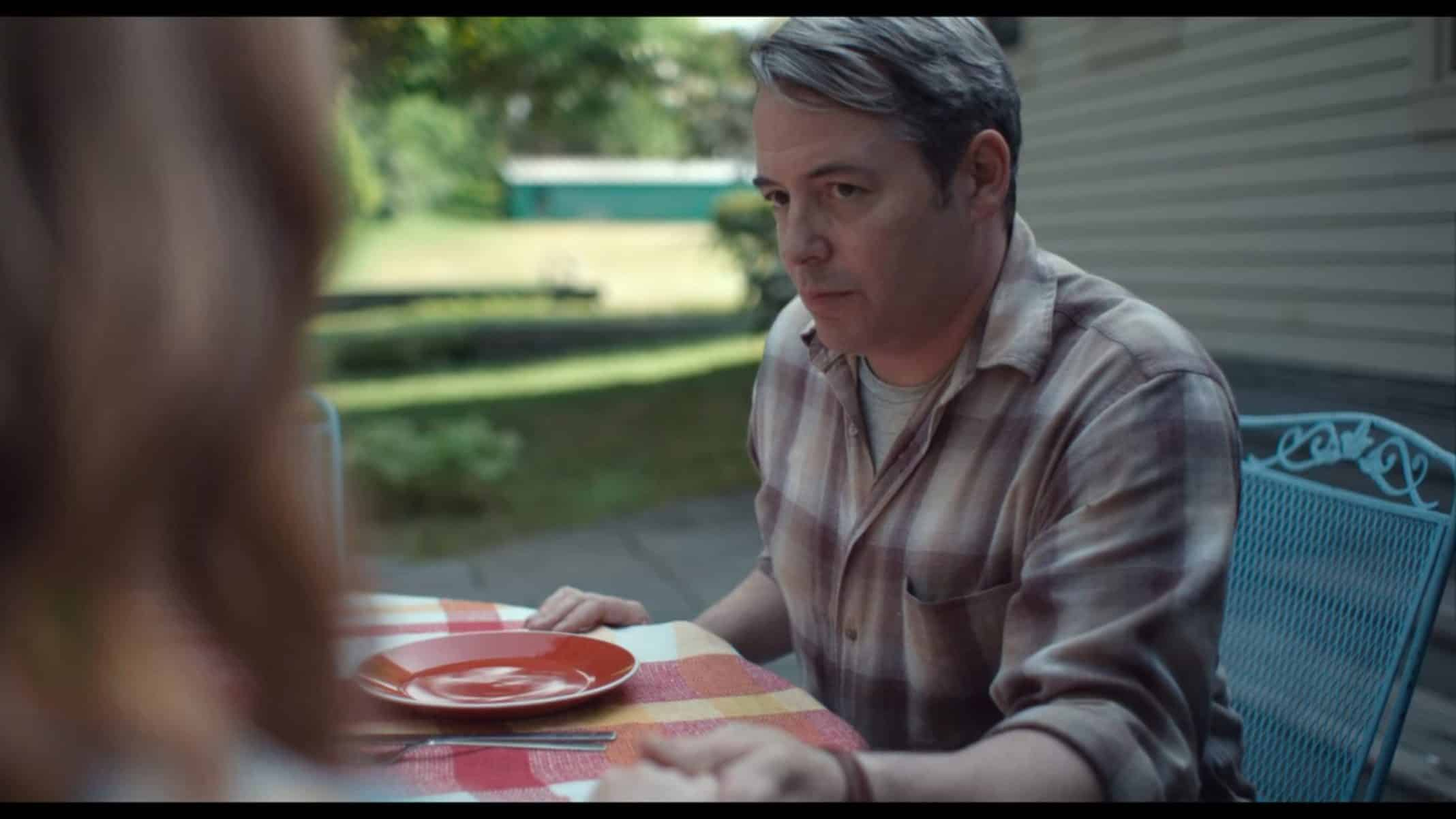 Murray (Matthew Broderick) having a meal with his daughter.