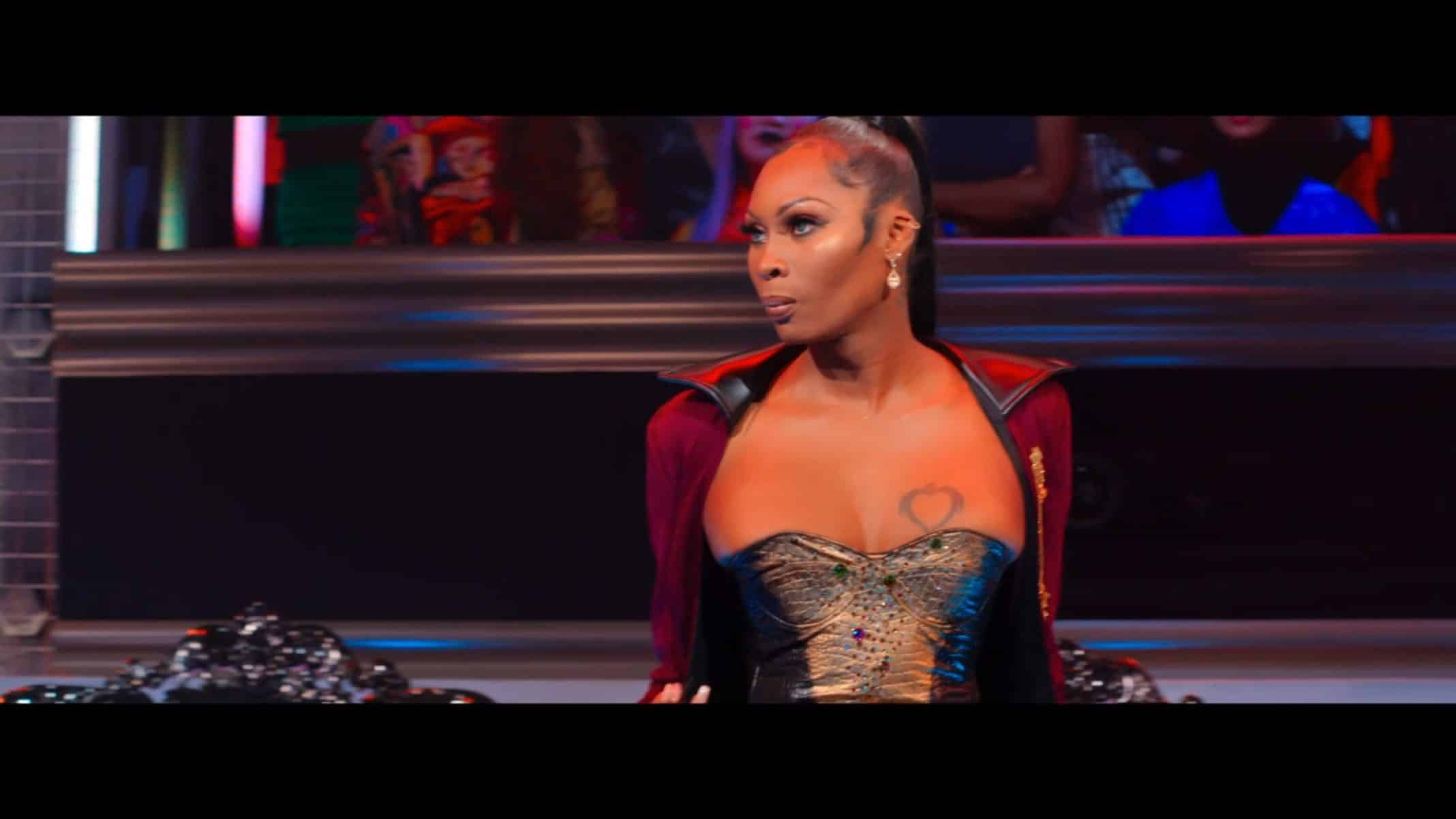 Dominique Jackson ready to face off with a contestant.