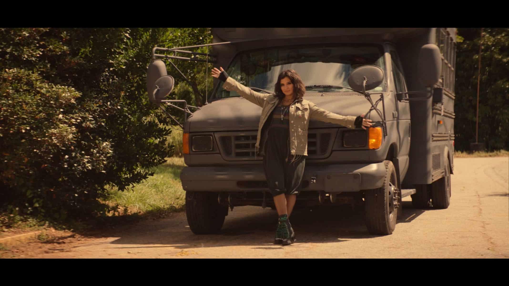 Jane (Diane Guerrero) recommending a field trip.