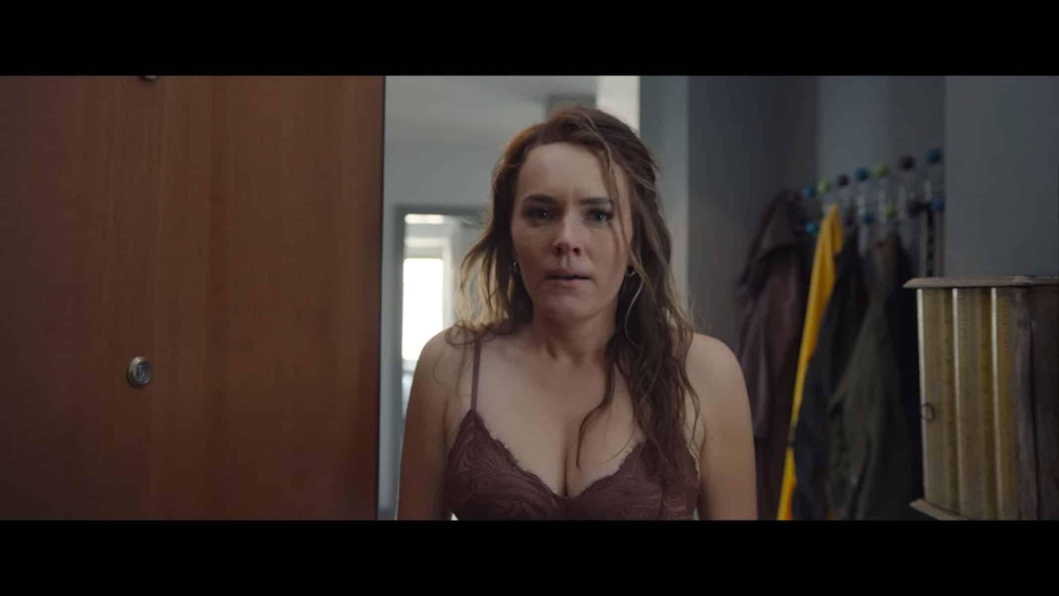 Olga (Magdalena Laparska) shocked to see Laura.