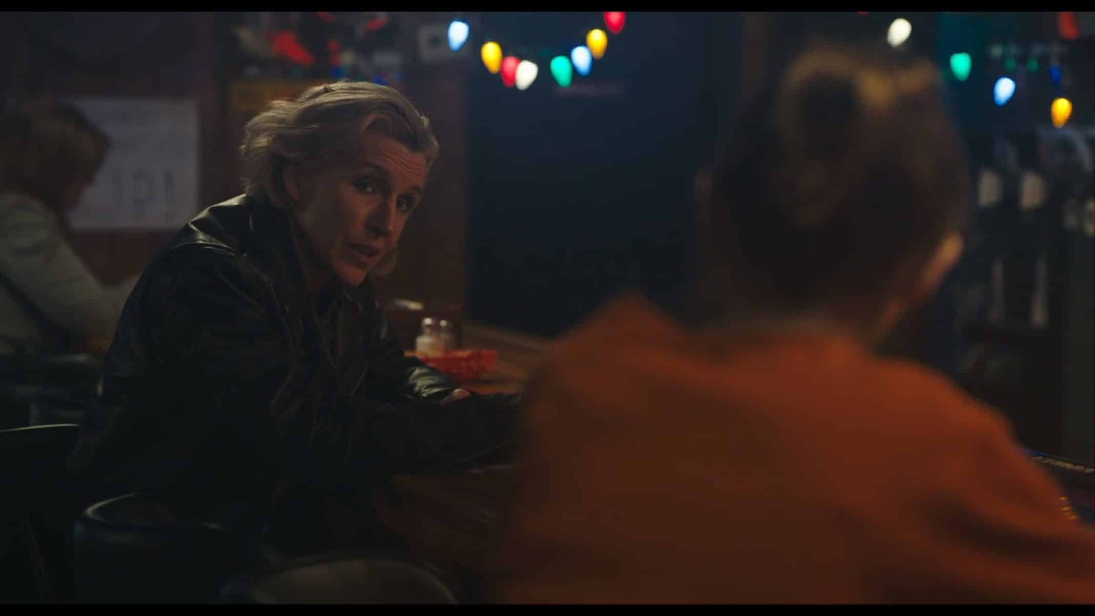 Gina (Susan Blackwell) talking to Alice in her bar.