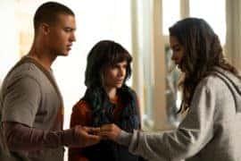 Levi (Jan Luis Castellanos), Jenny (Ema Horvath) and Aisha (Helena Howard) talking about Aisha.