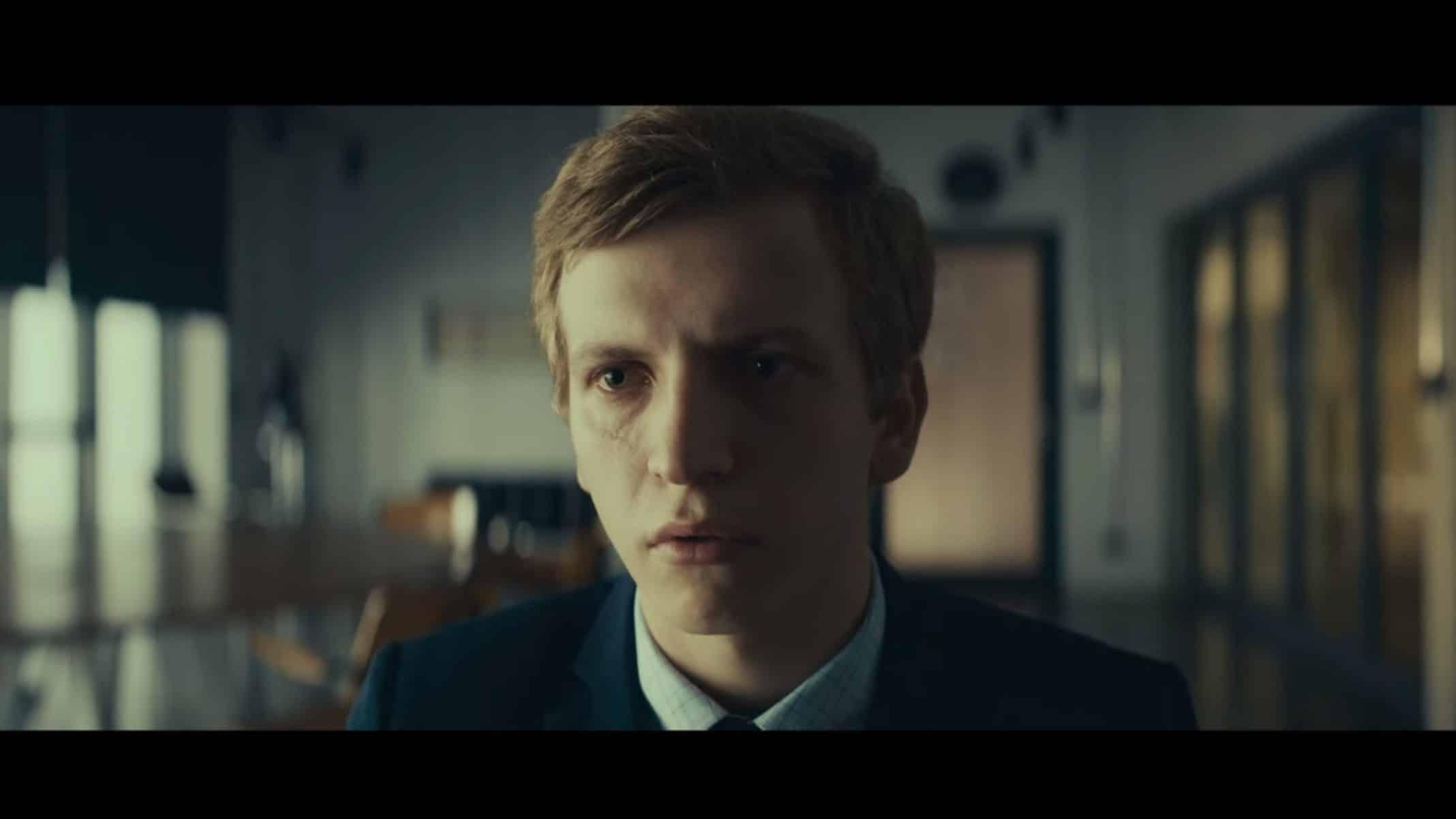Tomek (Maciej Musialowski) at school.