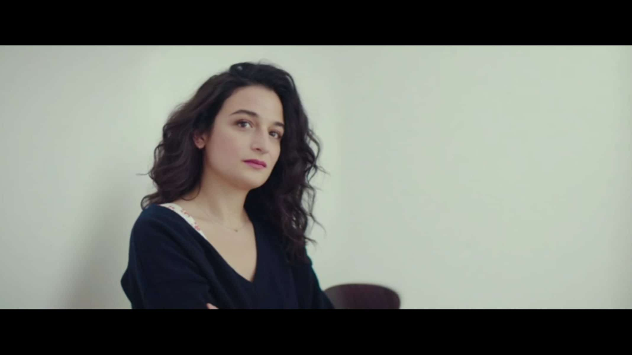 Frances (Jenny Slate) having her art critiqued.