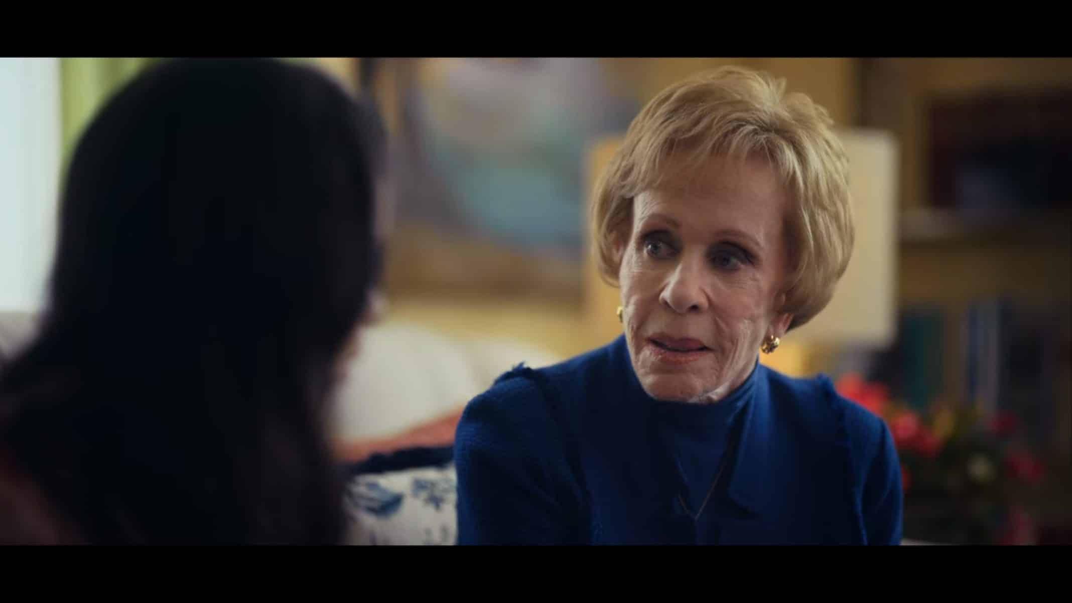 Joan (Carol Burnett) having a heart to heart with Amber.