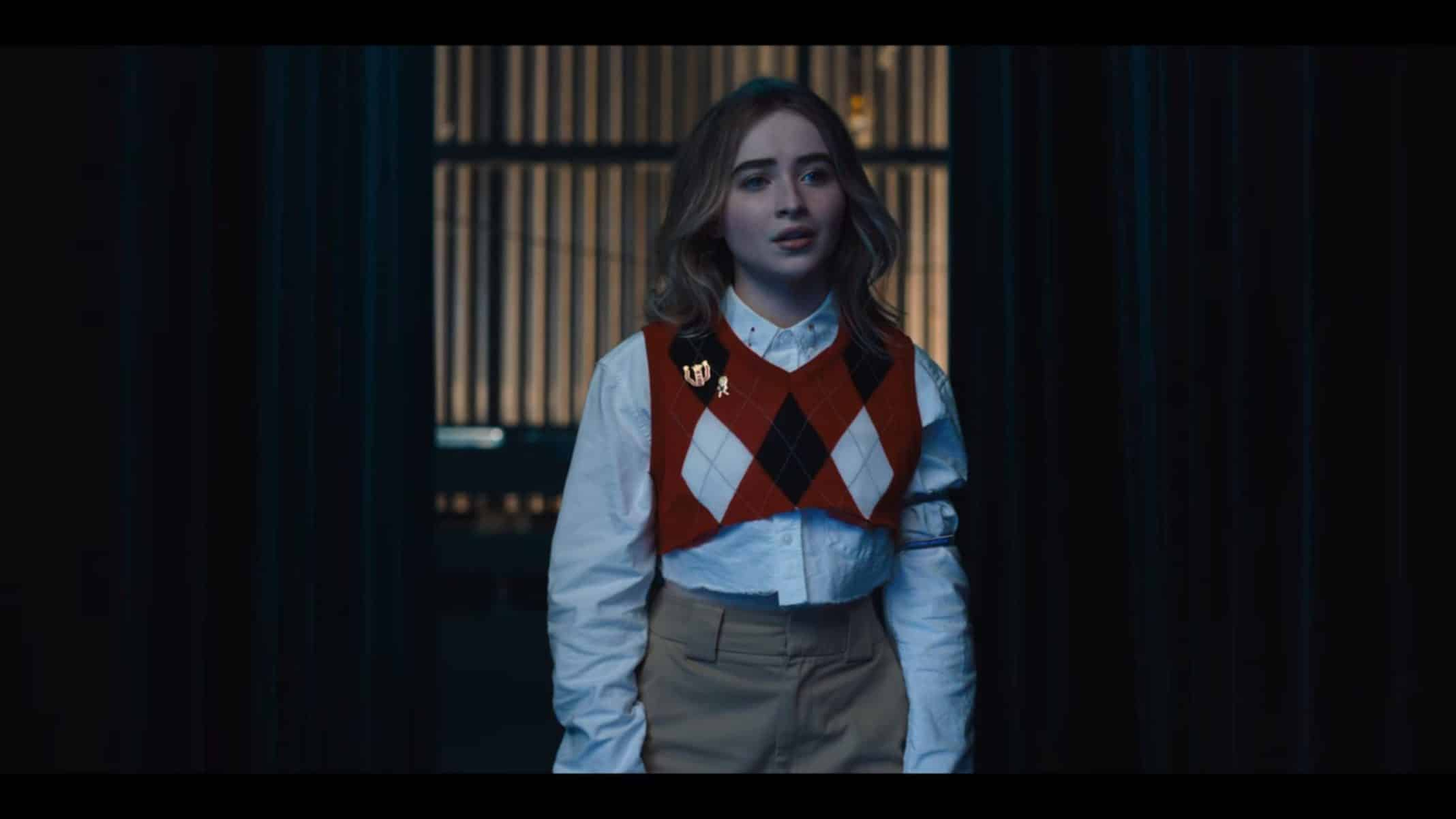 Quinn (Sabrina Carpenter) almost missing the dance competition.