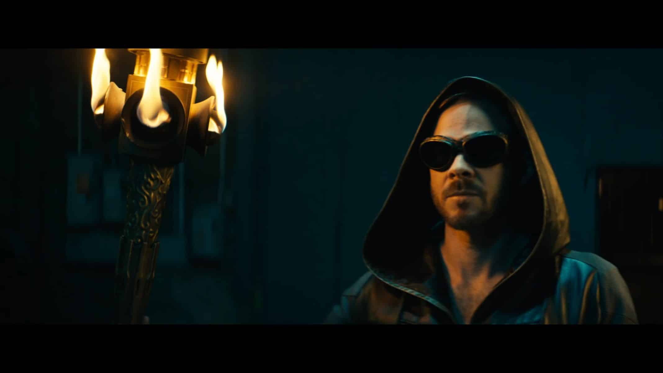Lamplighter (Shawn Ashmore) in his costume.