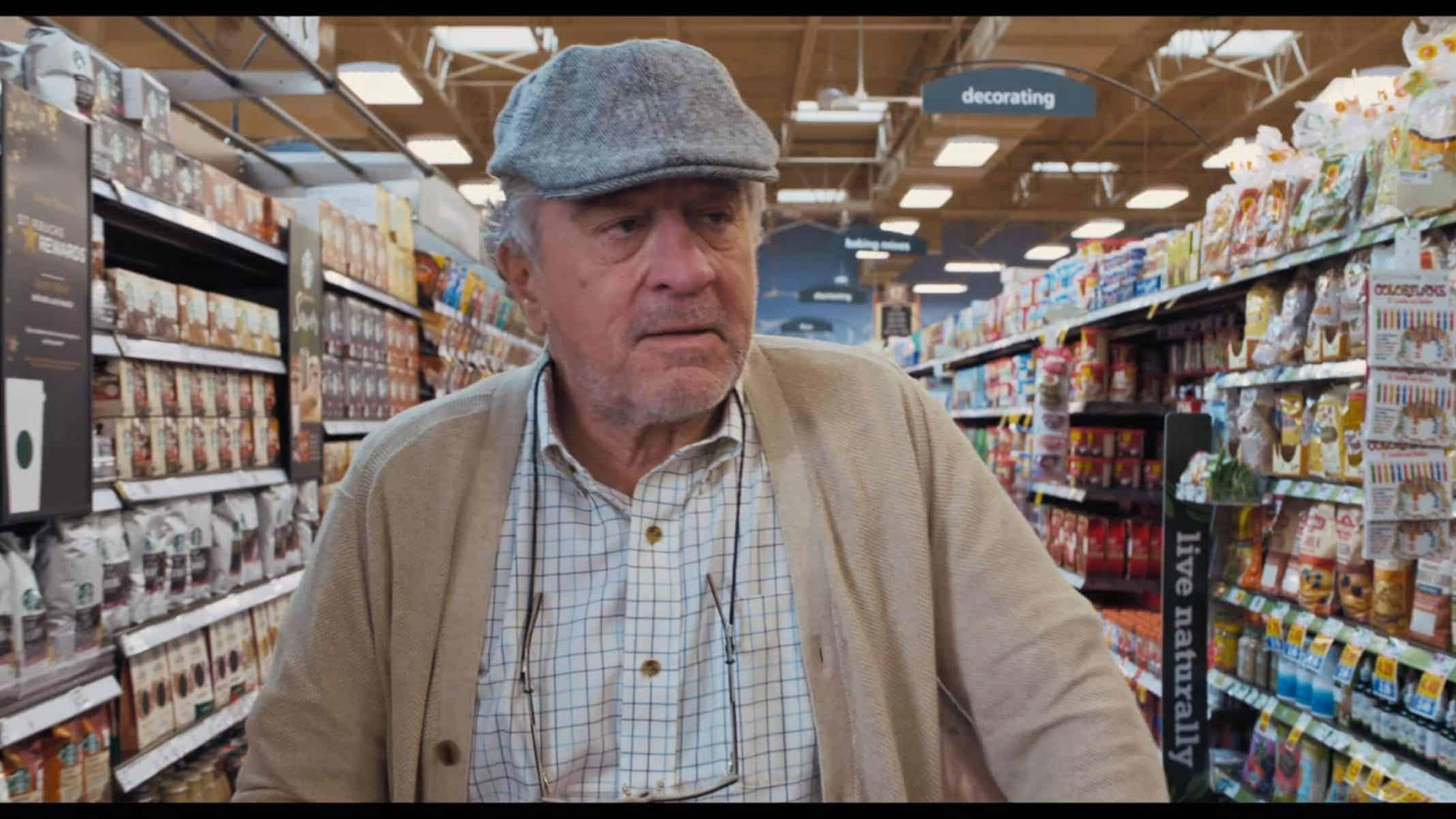 Ed (Robert De Niro) in a grocery store.
