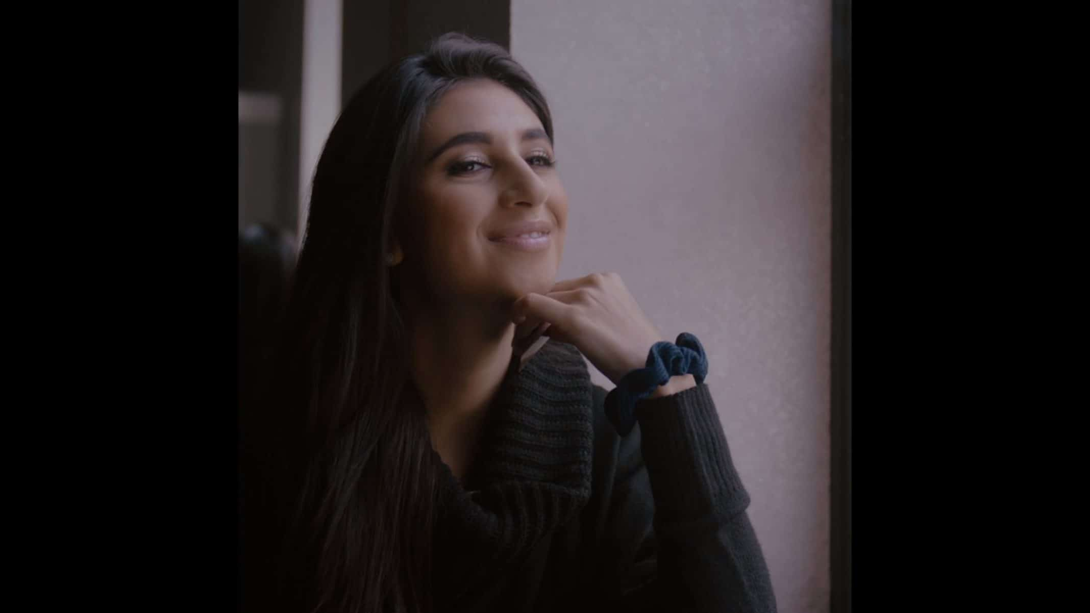 Elaina (Shlomit Azoulay) after smoking her vape pen.