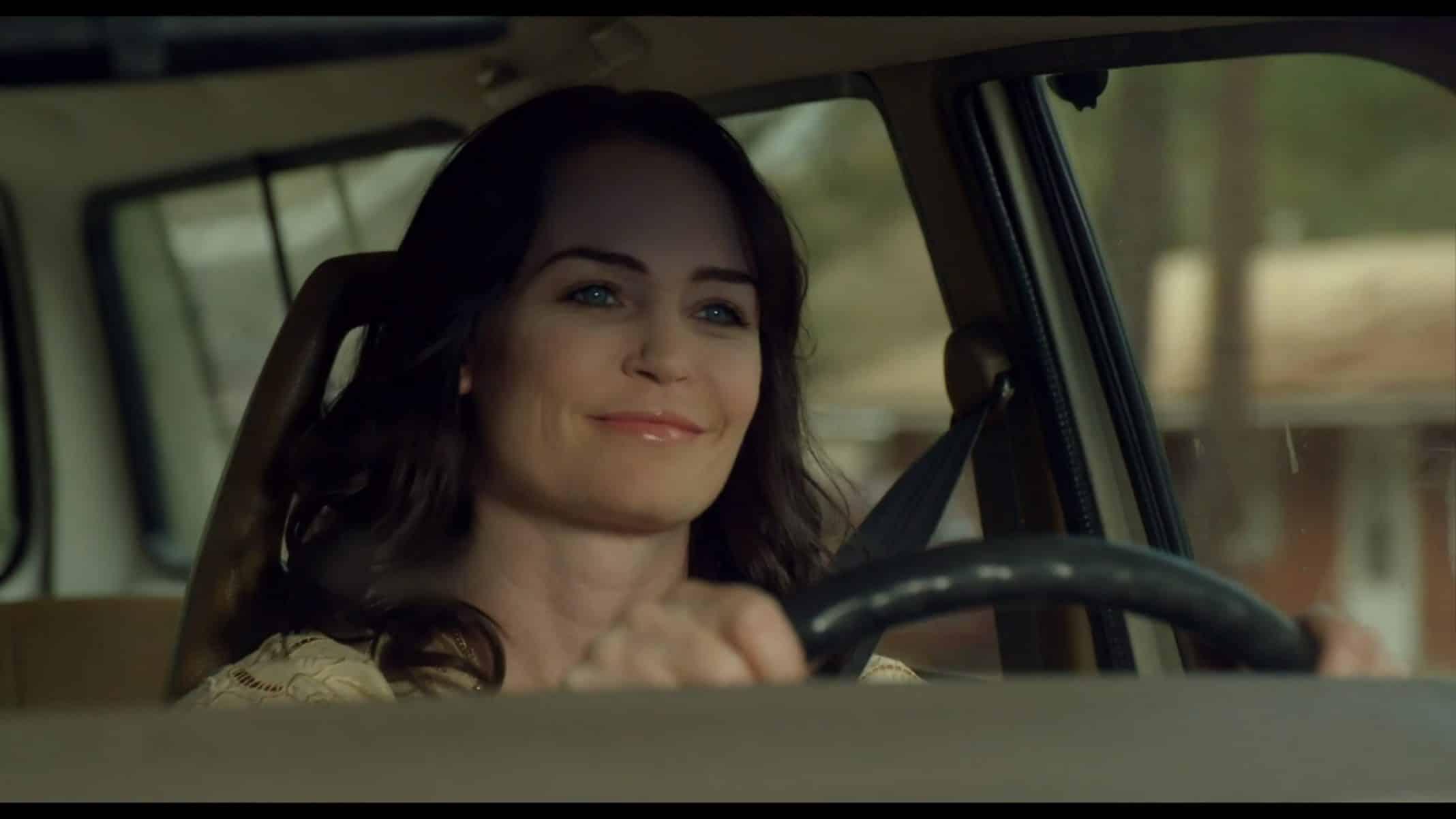 Frannie (Sprague Grayden) driving a car
