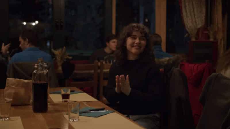 Marta (Brixhilda Shqalsi) clapping for Jonathan
