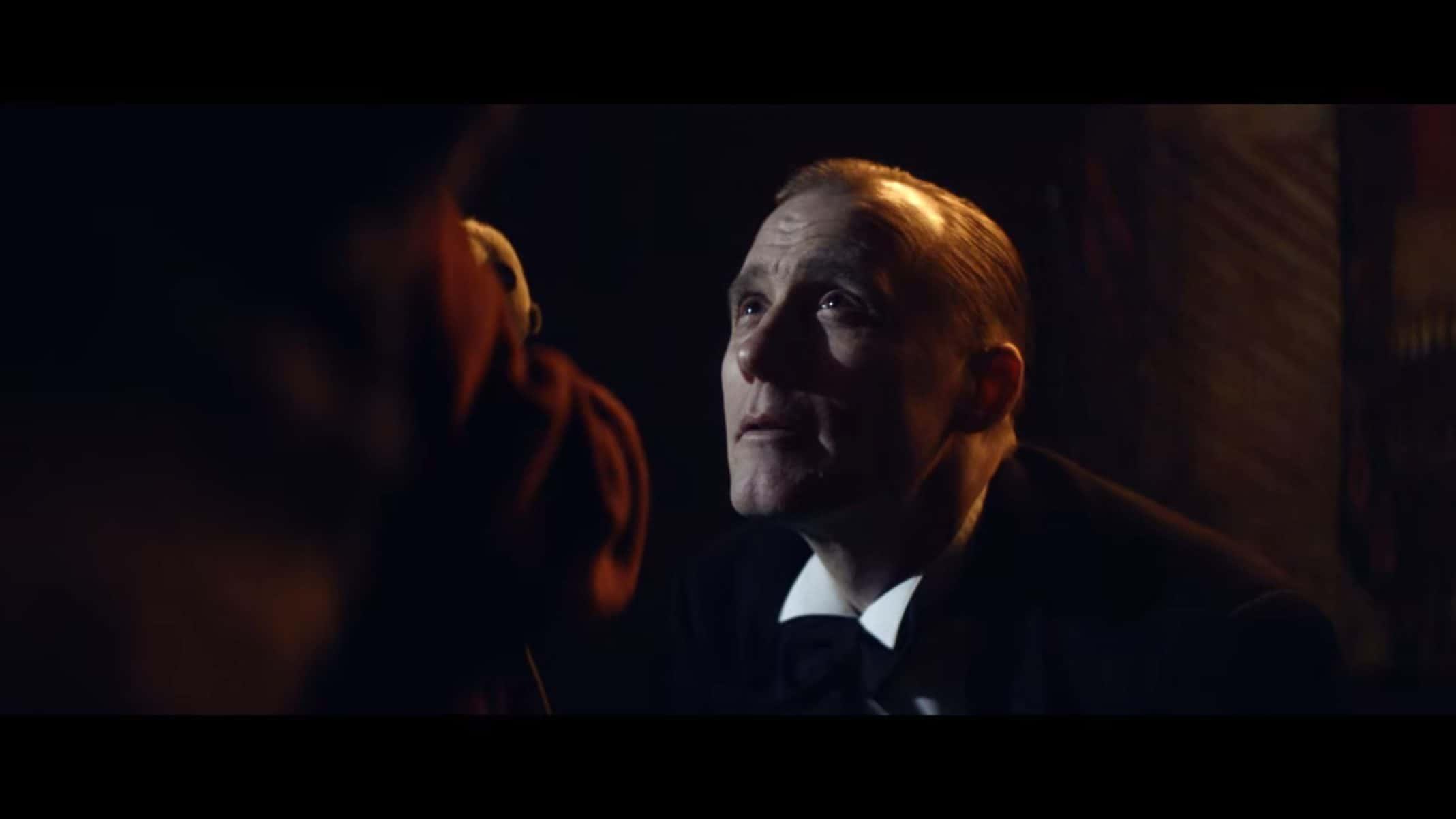 Mathais (Thorbjorn Harr) talking to Alice.